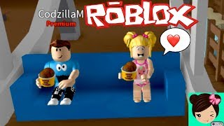 Roblox adventures with baby Goldie - are escapes from the ice cream parlor!