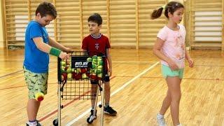Tenisowe ferie z OST - zabawa z piłkami