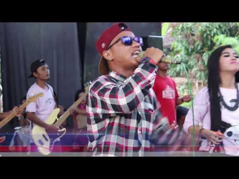 Ambilakan Gelas Chariza & Apiip New King Star Cobra Team Live Bandul