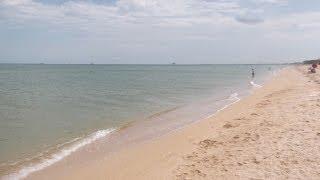 отдых на Азовском море. пляж в районе Магнита Голубицкая июнь 2014(Видео снято 1 июня 2014 года, на видео пляж в районе супермаркета