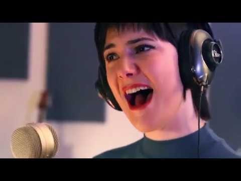 Crying (by Roy Orbison) - Live - Sara Niemietz & W.G. Snuffy Walden (from Get Right)