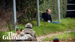 Police surround and capture submarine murderer Peter Madsen after he escaped jail