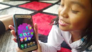 Whats in Della handphone / requested video / the zuna family/ singapore youtuber