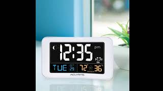 AcuRite 13040 Intelli Time Alarm Clock with USB Charger, Indoor Temperature and Humidity