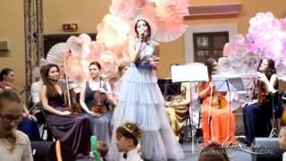 видео: Алсу. Благотворительный детский бал цветов. Видео - Ольга Калинкина (ОФКА)