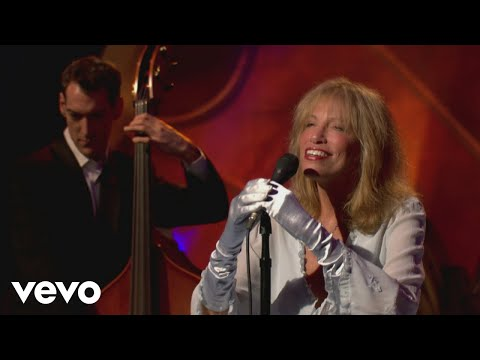 Carly Simon - Moonglow (Live On The Queen Mary 2)