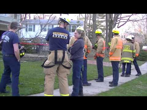 110 Foot Tree Falls On House Northern Virginia Fire Buffs Youtube