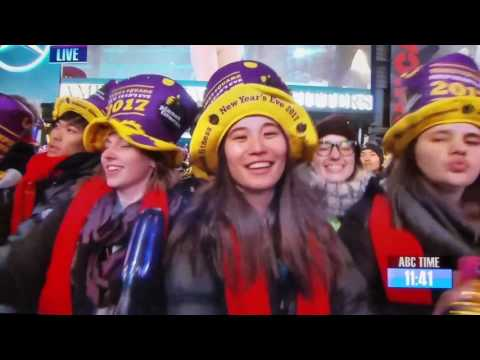 VIDEO - Mariah Carey New Years Eve 2016 2017