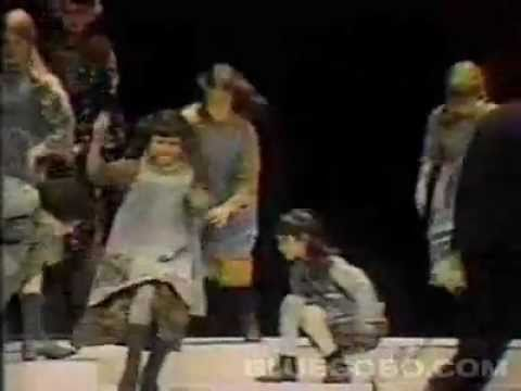 Annie [1977] The original cast performs a medley on the Tony Awards