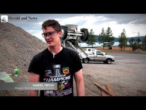 Oregon Tech students build cement bridge
