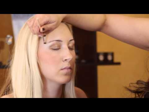 The Best Makeup for a Blonde in a Red Dress : Eye Makeup & More