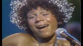 MINNIE RIPERTON - Highest Notes - Whistle Register in Live Performances