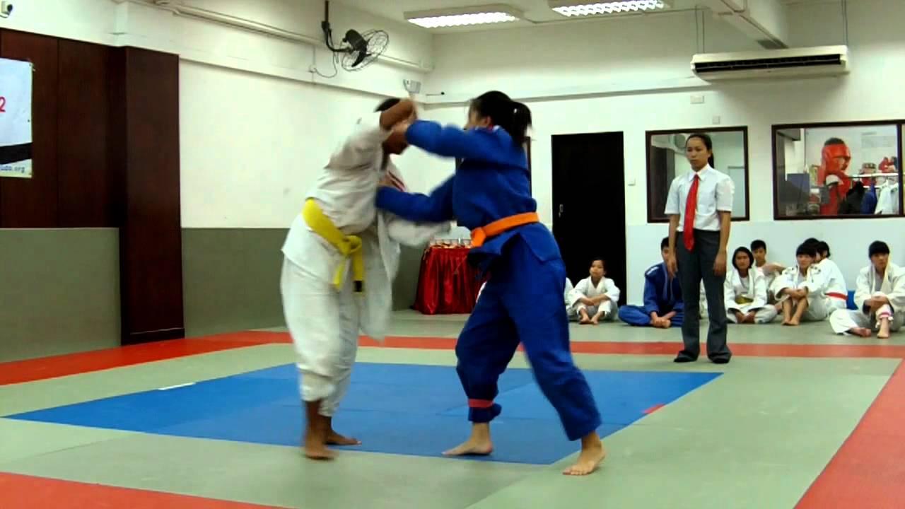 新加坡-香港學界柔道隊際賽 2012 女子組 11 - YouTube