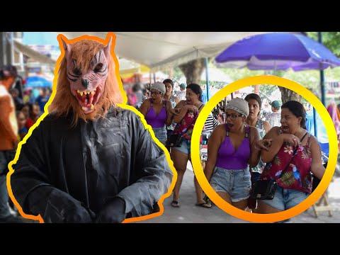 PEGADINHA DO LOBISOMEM - ASSUSTANDO PESSOAS - Werewolf Prank