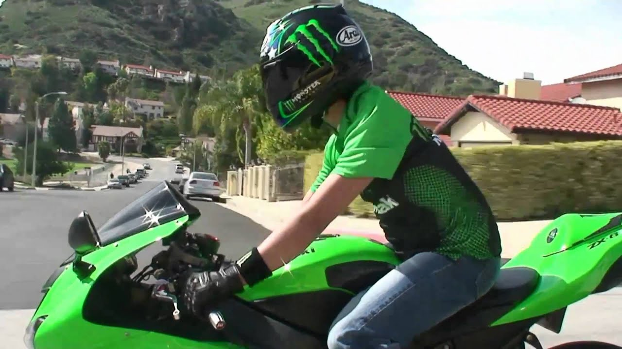 Monster Energy Girls Wallpaper All Green Kawasaki Ninja Zx6r Rider On The Street