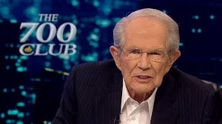 SHOCK: Pat Robertson Goes After Trump!