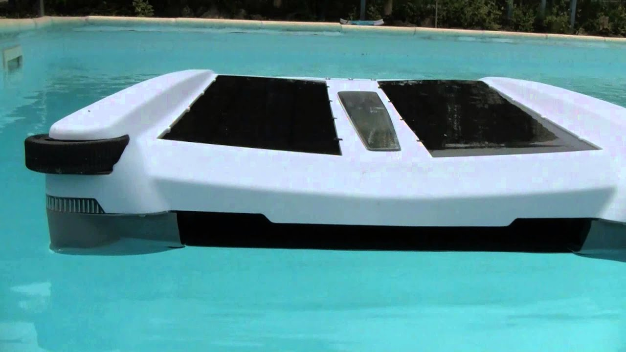 Solar Breeze Floating Pool Skimmer Robot Youtube