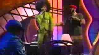 essence awards 2003 - Erykah Badu - Love of my Life feat Com