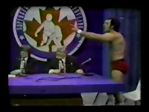 Superstars of Wrestling November 1983 show (rerun of 1982 show)
