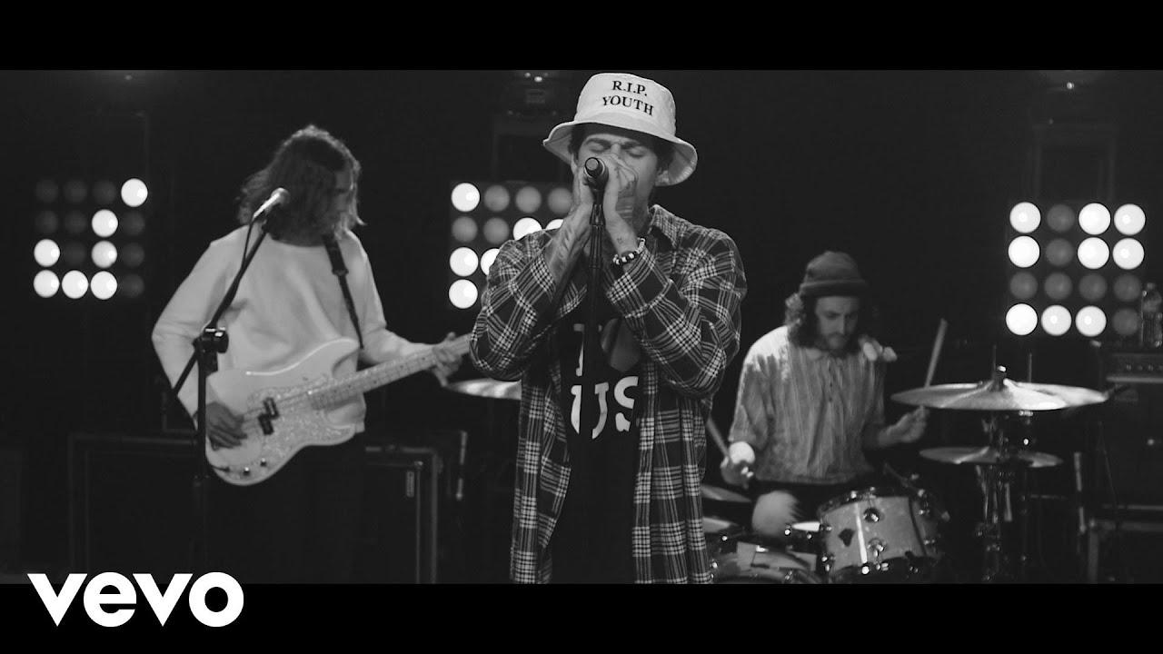 Download The Neighbourhood - Prey (Live)