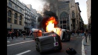 Barcelona Fuertes Enfrentamientos Entre Los Manifestantes Y La Policía
