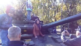 Командующий ООС Наев среди военнослужащих на праздновании Дня Защитника Украины в Краматорске