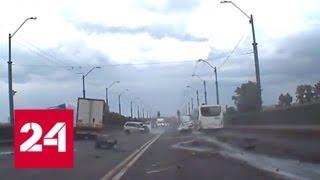Момент смертельной аварии на Невском путепроводе попал на видео - Россия 24