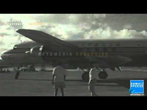 Italian tourists landing in Somalia 1957 - Mogadishu Airport (Aden Adde International Airport)