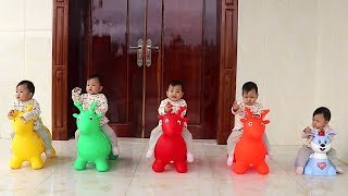 Five Little Monkeys Jumping On The Bed Song