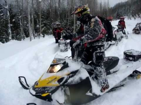 Funny Snowmobile / Sled Wipeout