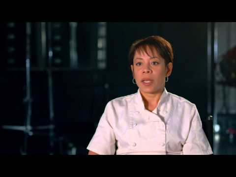 "Orange Is The New Black: Selenis Leyva ""Gloria Mendoza"" Season 2 On Set TV Interview"