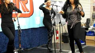 MELANIE FIONA bang bang J&R Music World NYC February 9 2010