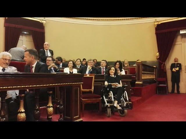 Virginia Felipe explica por qué no ha acatado la Constitución en el Senado