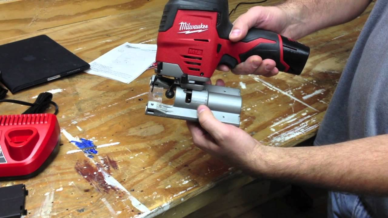Exclusive milwaukee m12 cordless jig saw 2445 21 hybrid grip in exclusive milwaukee m12 cordless jig saw 2445 21 hybrid grip in action greentooth Gallery