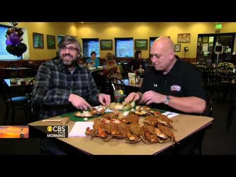 Baltimore crabs how-to: Cal Ripken schools Mo Rocca