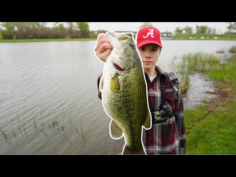RIVERSIDE Pond Filled With MASSIVE Bass!--(Spring Madness)