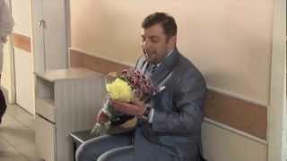 Можно посмотреть на близнецов?(КРУТЬ или МУТЬ? Голосуй на http://www.peretz.ru Перец в соцсетях: http://www.VK.com/tvperetz http://www.Odnoklassniki.ru/tvperetz., 2013-01-28T09:22:19.000Z)