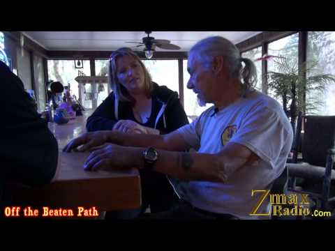 Jay & Zee Off the Beaten Path: Kahana Stunt School