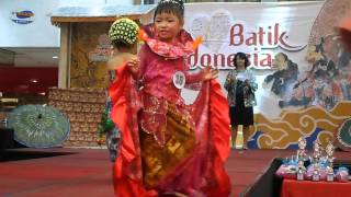 Fashion Show Anak Tema Baju Adat Indonesia