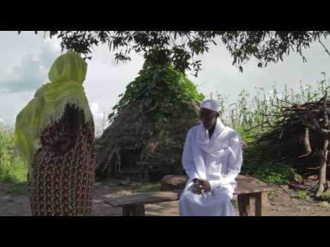 Traditional greeting of Fula ethnicity (Guiné - Bissau) + KEBUR Trailer