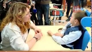 Дети-инвалиды в школе вместе с обычными детьми