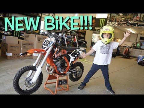 HUDSON DEEGAN GETS A NEW DIRT BIKE!!!