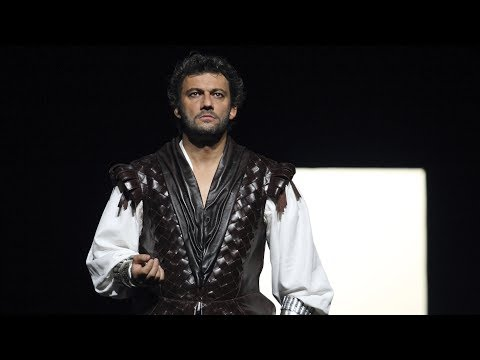 Opera's most amazing entrances