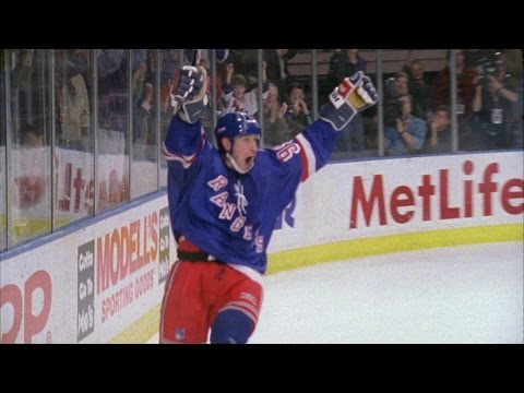 Memories: Wayne Gretzky tallies his final NHL point