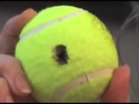 Πως να ξεκλειδώσετε την πόρτα του αυτοκινήτου σας με ένα μπαλάκι του τένις!