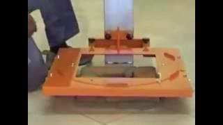 Maszyna ułatwiająca murowanie słupków z klinkieru