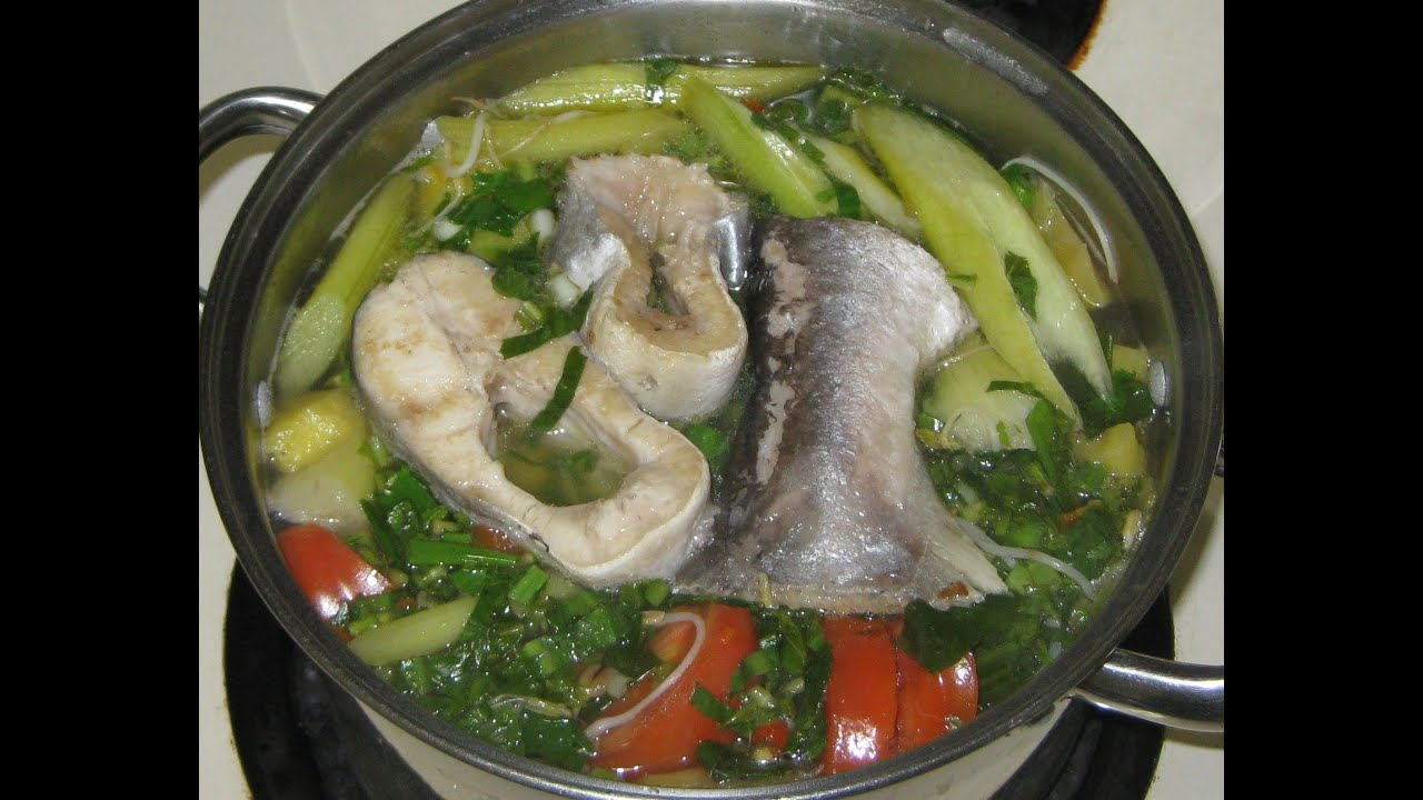 How to make vietnamese hot and sour fish soup canh chua for How to make fish soup