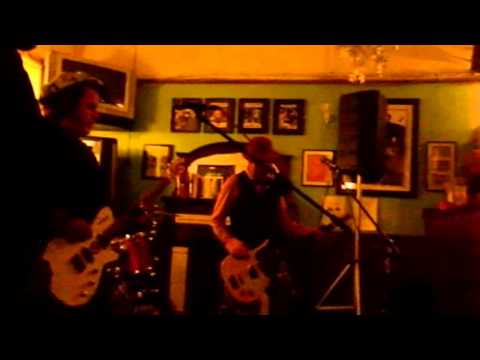 Billy Watson.TV - The Bermondsey Joyriders - Grangemouth Tavern 3