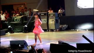 Gambar cover Teria Magar live dance in korea (5000 crouds)