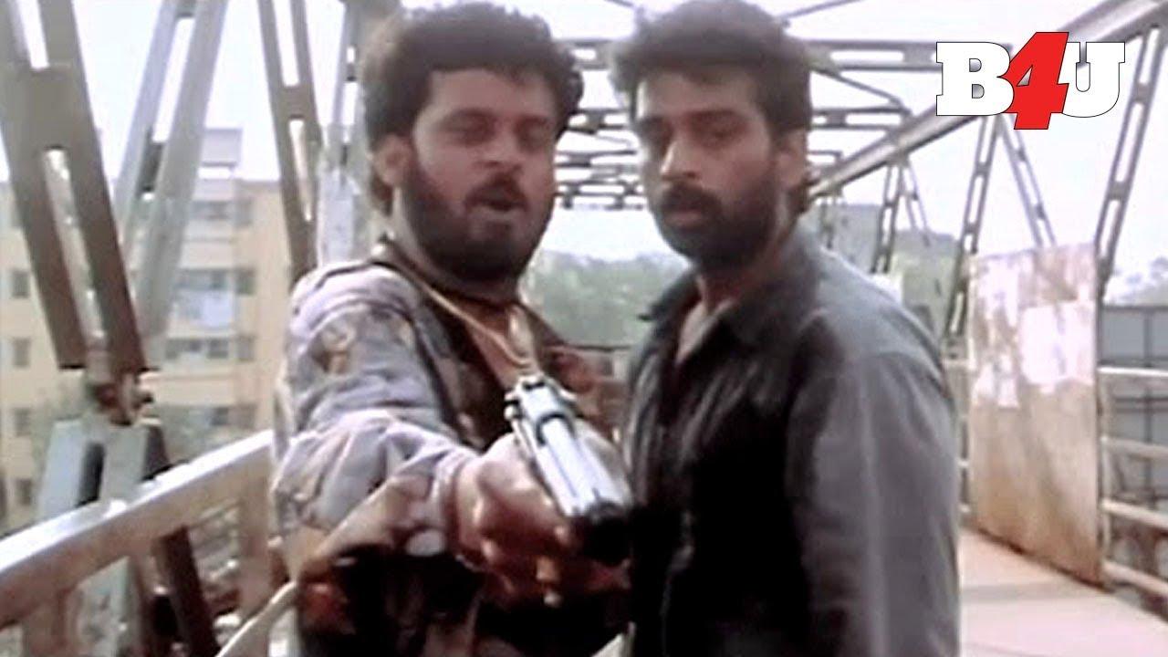 Download Satya | Shoot Out Scene | Urmila Matondkar, Manoj Bajpayee, Paresh Rawal | Full HD